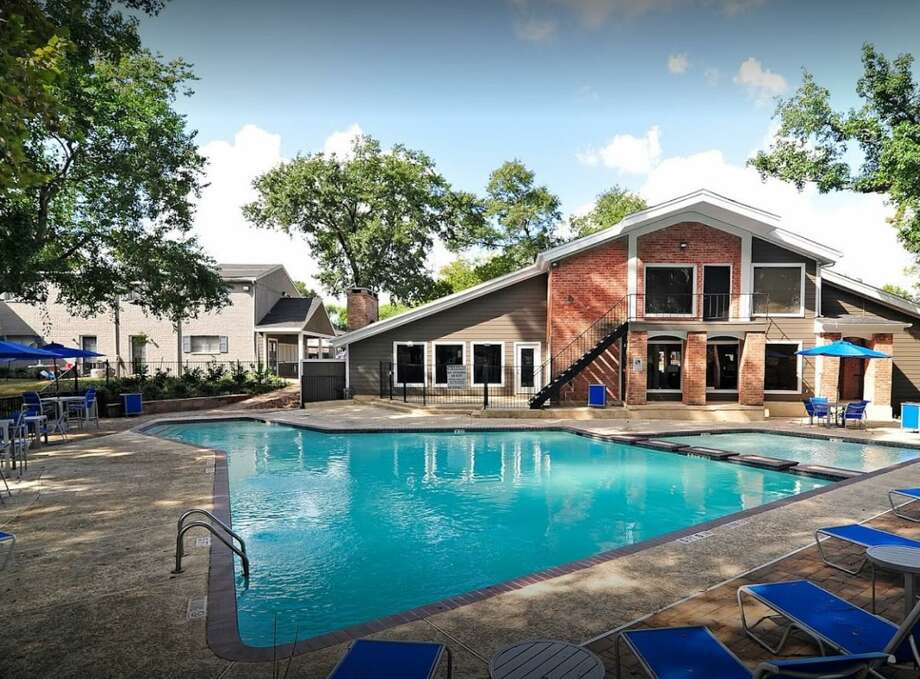 Excelsa Properties has acquired the 392-unit Bayou Parc at Oak Forest apartments at 4000 Watonga Blvd. in partnership with Goldcor Capital Partners. Photo: Excelsa Properties
