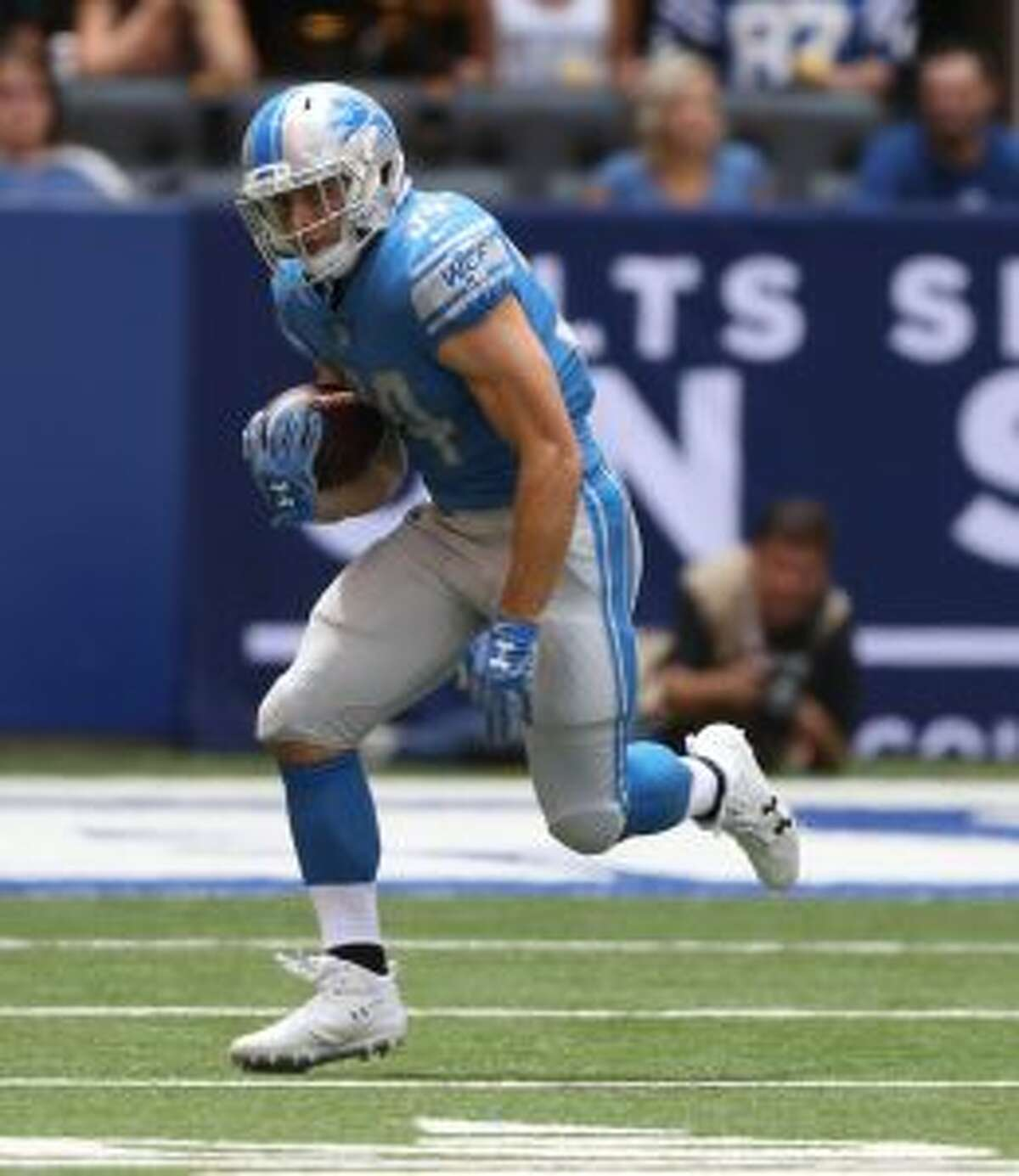 Zach Zenner and the Lions are off to a 2-0 start.