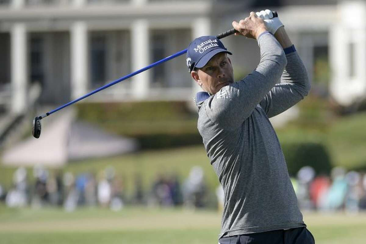 Henrik Stenson, of Sweden, watches his tee shot on the 18th hole during the second round of the Arnold Palmer Invitational golf tournament Friday, March 16, 2018, in Orlando, Fla. (AP Photo/Phelan M. Ebenhack)