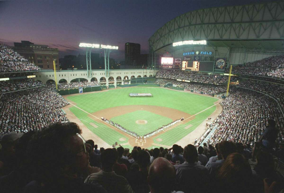 From the very beginning, it was an ideal evening for outdoor baseball, Houston-style, as the Astros and Yankees lined up for the national anthem before the first game at then-Enron Field on March 30, 2000.