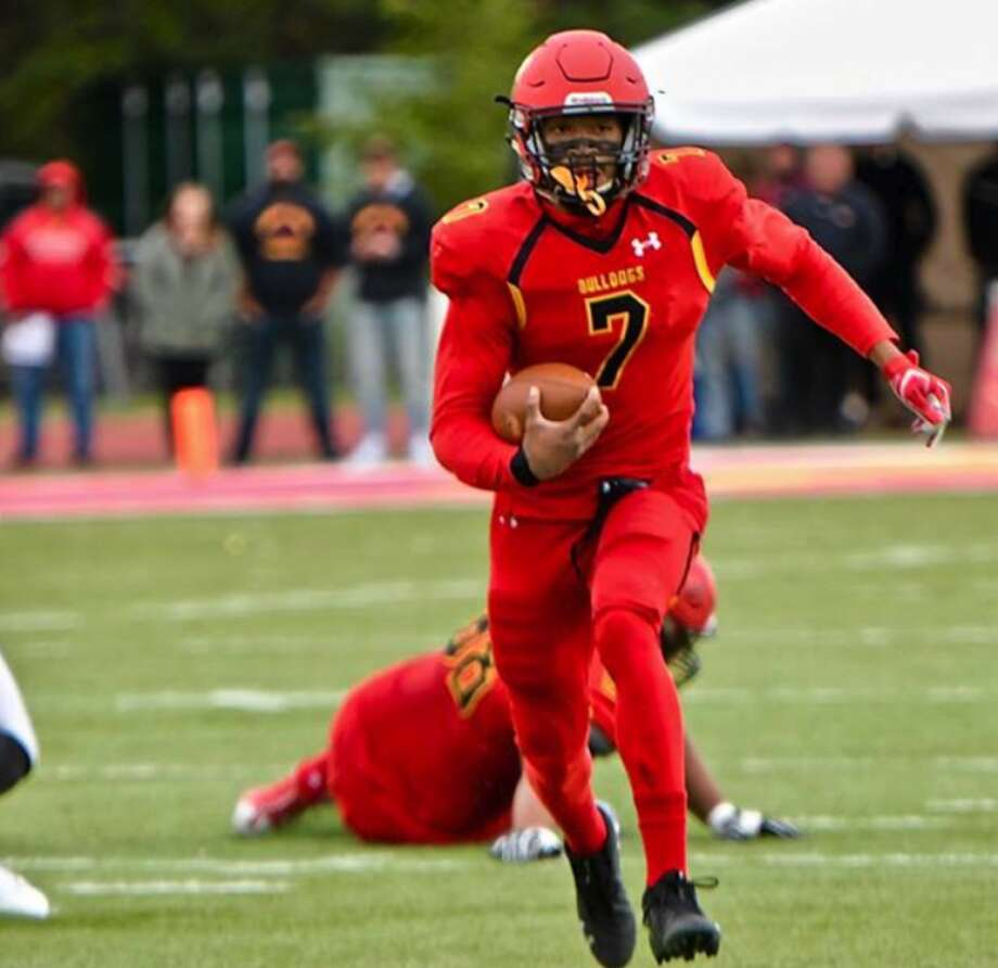 Cutline: Ferris State's Jayru Campbell tallied 348 yards of total offense in a 38-28 victory over Wayne State on Saturday. (Photo courtesy of Ferris State Athletics)