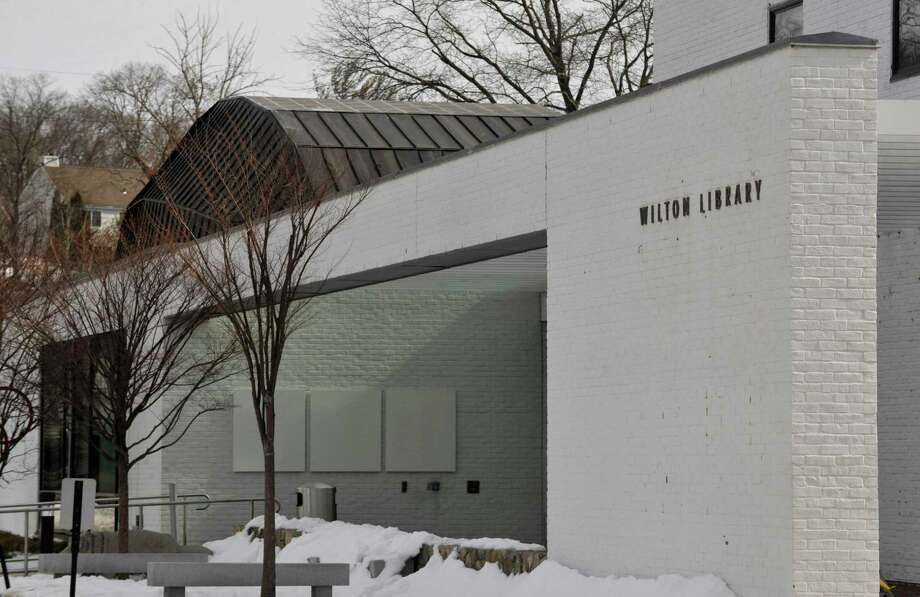 Wilton Library, 137 Old Ridgefield Road in Wilton, Conn. Photo: Jason Rearick / The Stamford Advocate / The News-Times