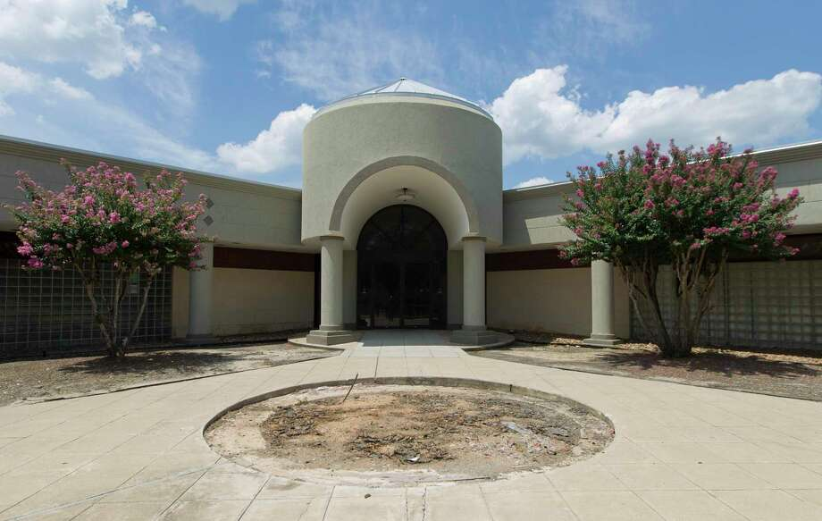 The city of Conroe is renovating the former Conroe Police Department building on Old Montgomery Road in hopes of leasing it. Photo: Jason Fochtman, Houston Chronicle / Staff Photographer / Houston Chronicle