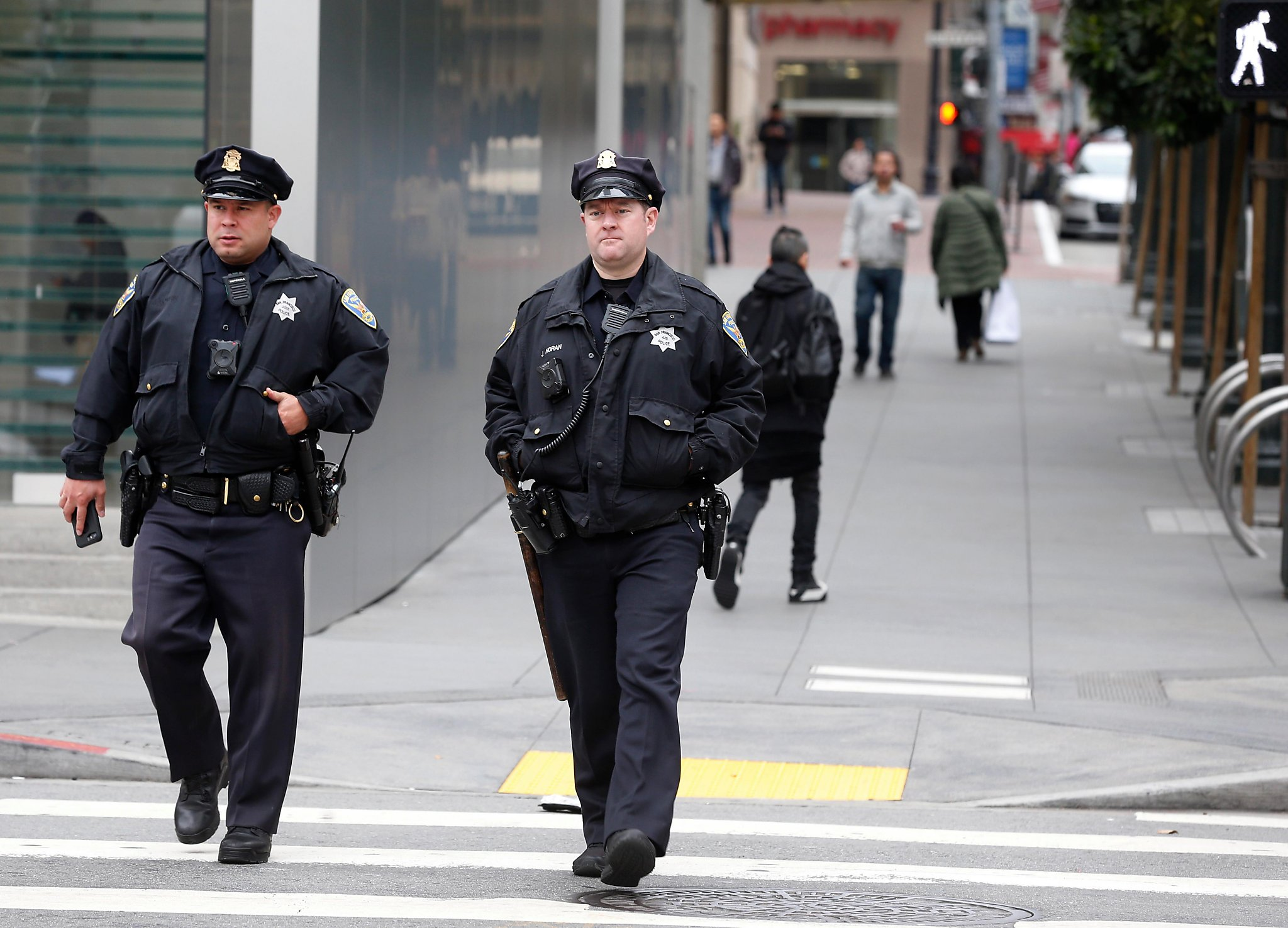 SF hiring retired cops for mean streets of Union Square