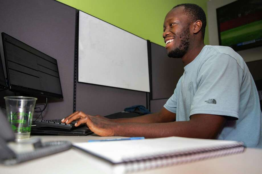 Internships open business options to students - Houston