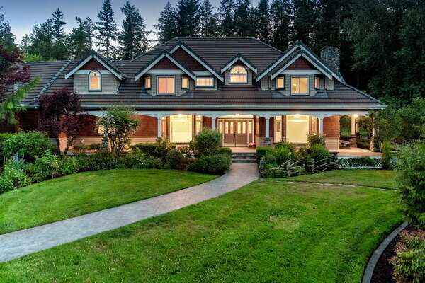 You can own one of the largest estates in Washington, which includes almost 300 acres of land and a 40 acre lake.