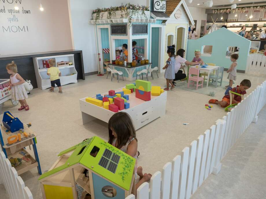 Play area for children is located inside Wow Moms World 07/276/19 in the Texas Pride Plaza off Wadley and Midland Drive. Tim Fischer/Reporter-Telegram Photo: Tim Fischer/Midland Reporter-Telegram