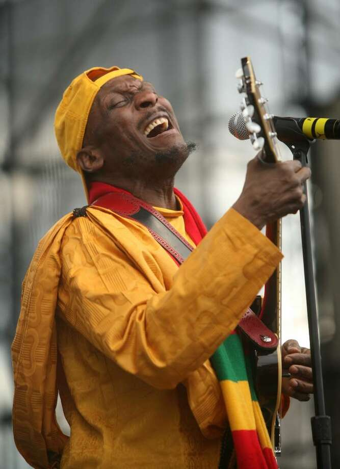 Reggae star Jimmy Cliff performs on the main stage at the Gathering of the Vibes music festival in Bridgeport on Sunday, August 1, 2010. Photo: Brian A. Pounds / Connecticut Post