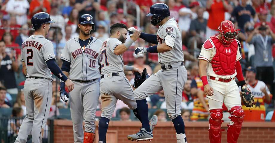 Carlos Correa's grand slam sparks Astros past Cardinals