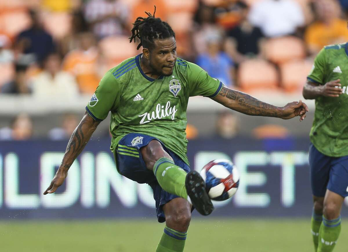 Seattle Sounders defender Román Torres (29) gets a pass during the first half of the MLS game against the Houston Dynamo at BBVA Stadium on Saturday, July 27, 2019, in Houston.