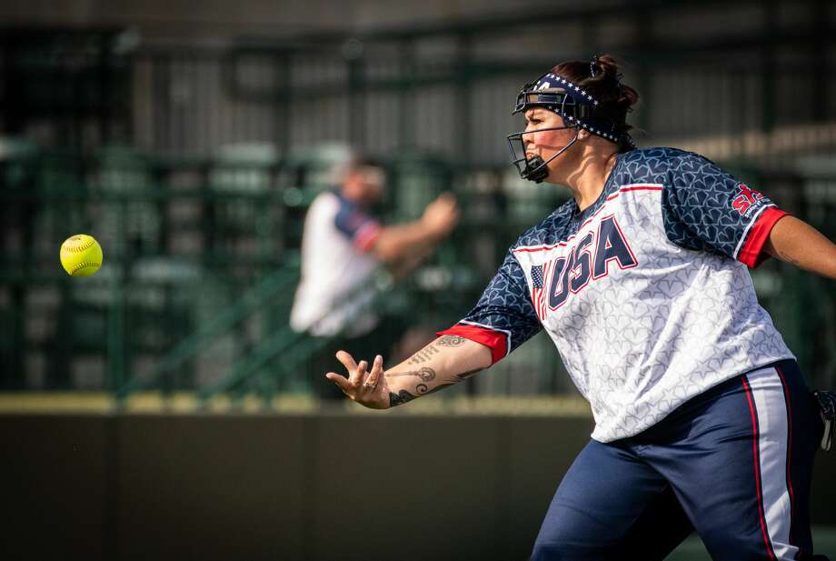 Tara Selcedo of team USA pitches the ball during a game against Canada in the Border Battle XI at Dow Diamond Saturday, July 27, 2019. (Steven Simpkins/for the Daily News) Photo: (Steven Simpkins/for The Daily News)