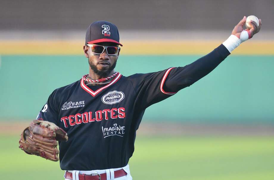 Tecolotes All-Star Domonic Brown returned from the injured list this Saturday after missing the last month with an ulnar styloid fracture on his left hand. Photo: Cuate Santos /Laredo Morning Times File / Laredo Morning Times