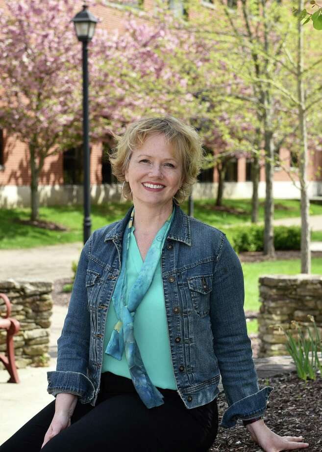 Kelli Custer, Western Connecticut State University Writing Center coordinator, has received the CSCU Board of Regents Teaching Award for state universities. Photo: Contributed Photo / Contributed / The News-Times Contributed