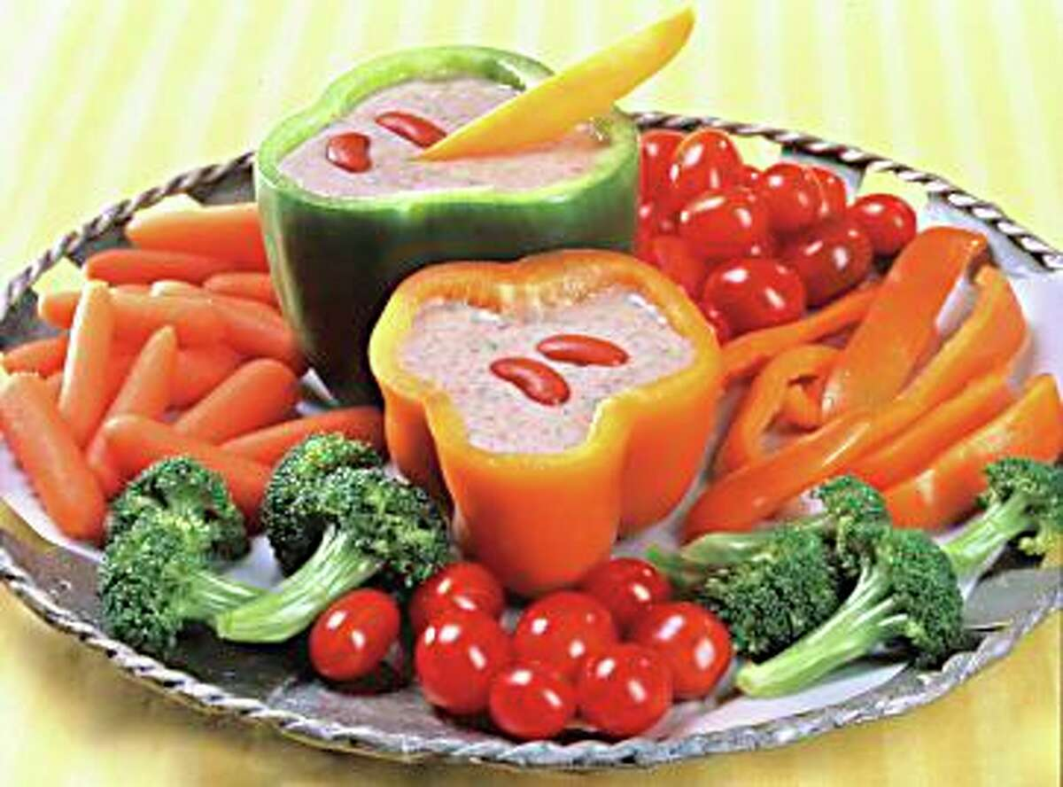 During summer parties it can be challenging to find diabetic-friendly snacks. Fresh vegetables such as carrot chips, sliced cucumber, bell pepper and celery sticks are great low carbohydrate alternatives to tortilla chips.