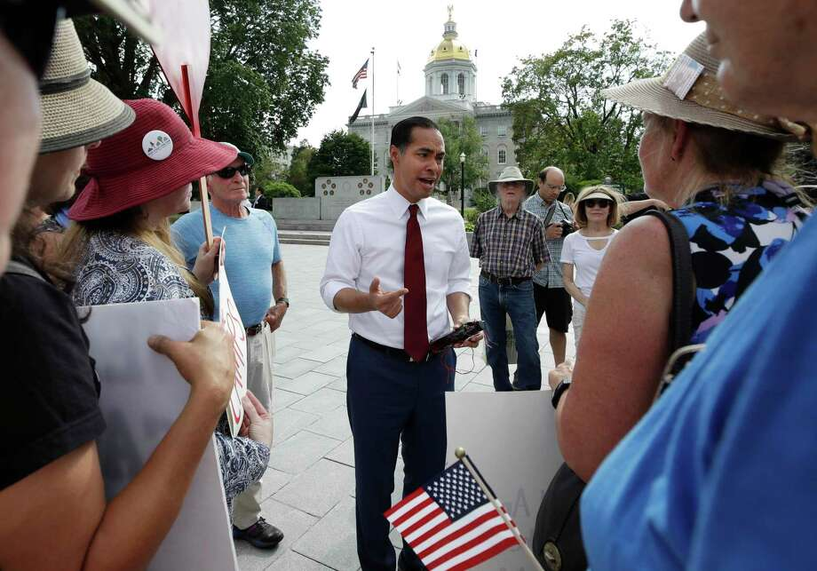 Democratic presidential hopeful Julián Castro cites a lack of racial and ethnic diversity in newsrooms. Photo: Elise Amendola / Associated Press / Copyright 2019 The Associated Press. All rights reserved