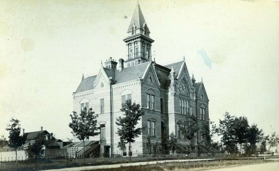 The old Courthouse circa 1890.