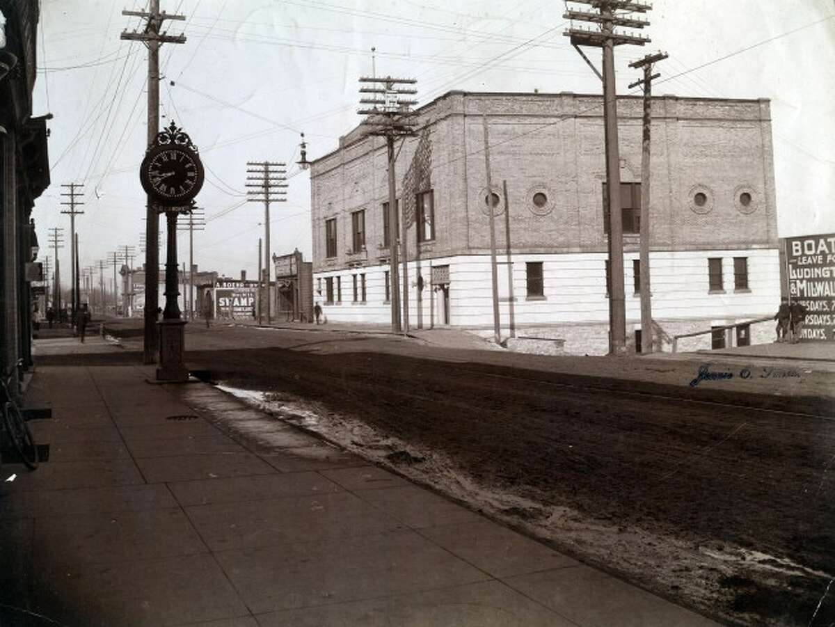 This early 1900 photo shows a view to the west on River Street including the Manistee Elks Lodge