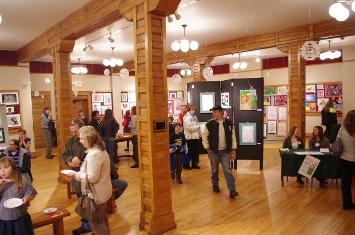 The Manistee Art Institute is looking for a big season in 2014. Officials have expanded to include seven major exhibits.