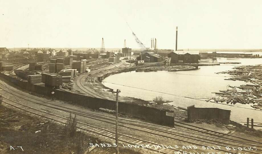 A busy section of Manistee Lake in the early 1900s. (Courtesy Photo/Dale Picardat)