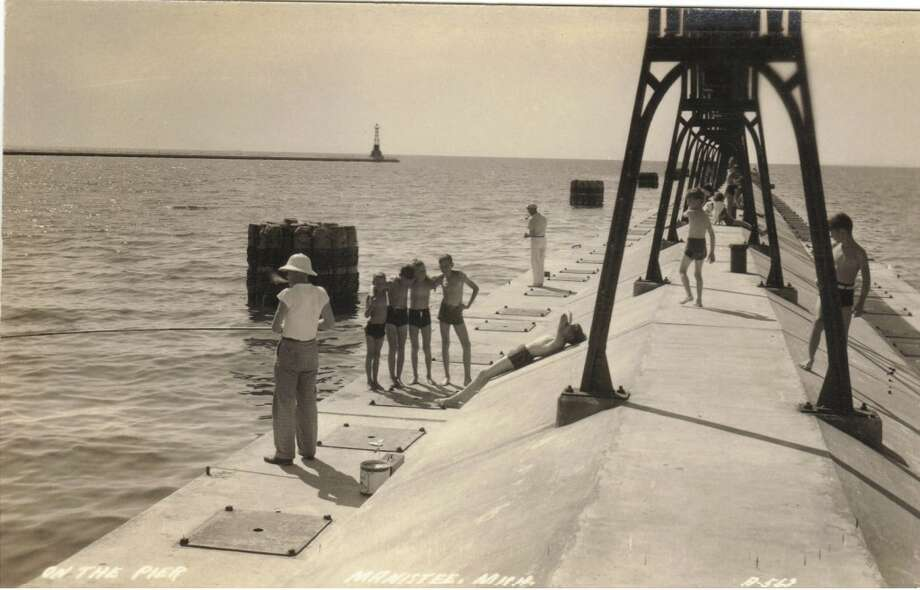 A 1940s or 50s scene on Manistee's Fifth Avenue Pier. (Courtesy Photo/Dale Picardat)