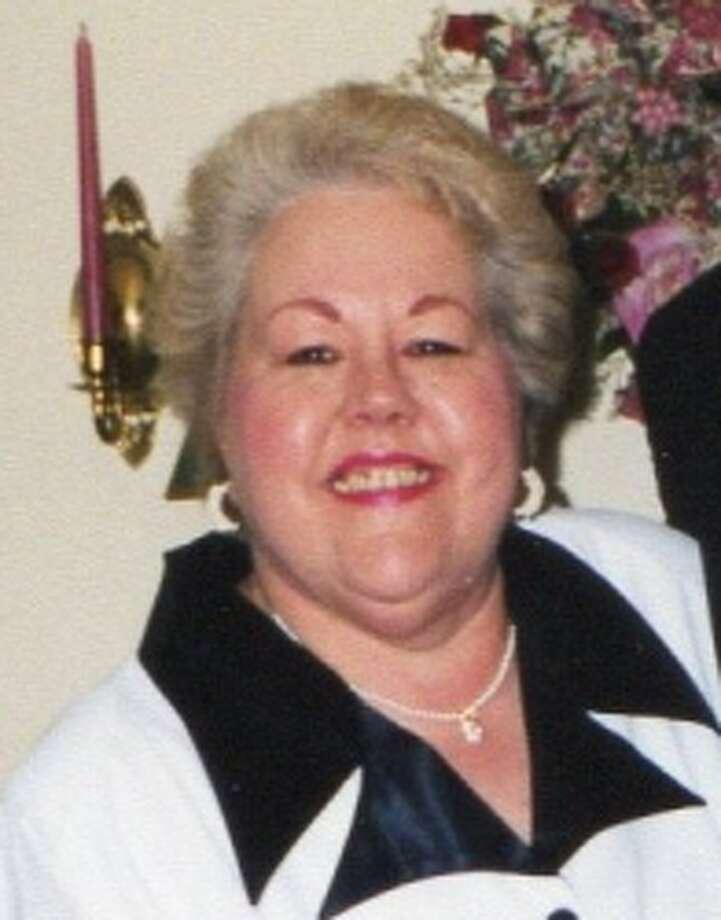 Linda Lou Bladzik