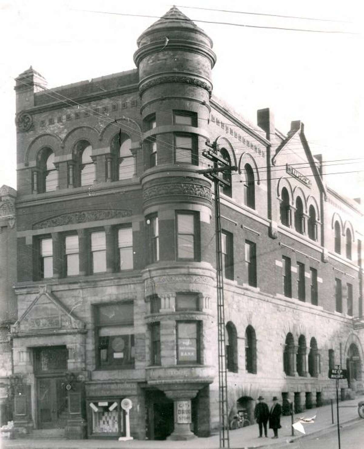 The Ramsdell Building at the corner of Maple and River streets is shown in this 1905 photograph. City Drug Store was located in the lower level and the First National Bank on the first floor.