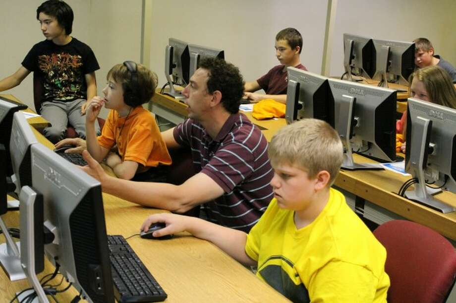 The popular West Shore Community College College for Kids program is currently accepting applications.