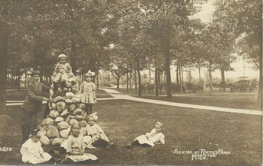 Reitz Park has been a popular place to spend a Sunday afternoon at for decades. This group enjoyed what it had to offer in the early 1900s.