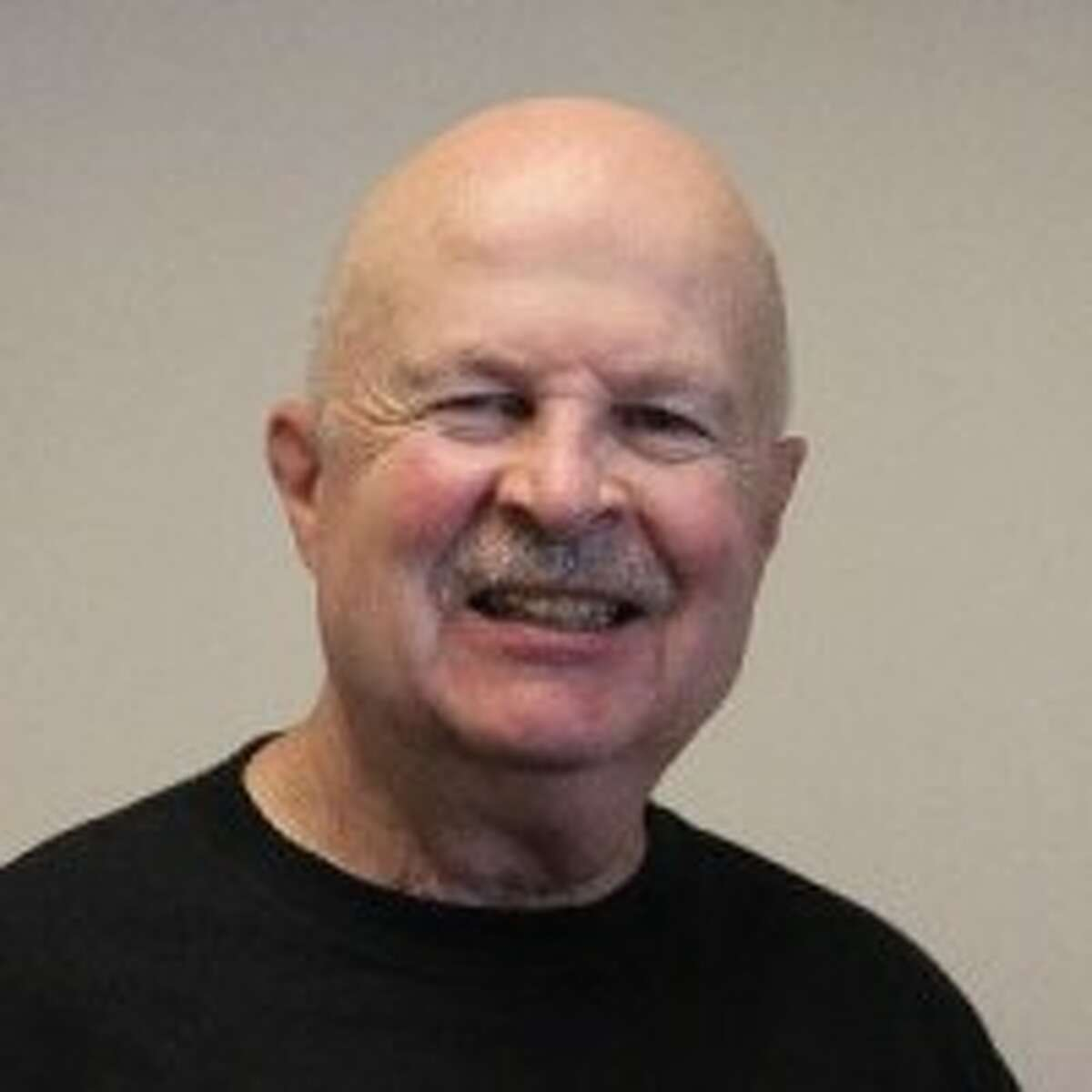 SCORE chairperson Dennis O'Connor assists small businesses, at any stage, with consultation.