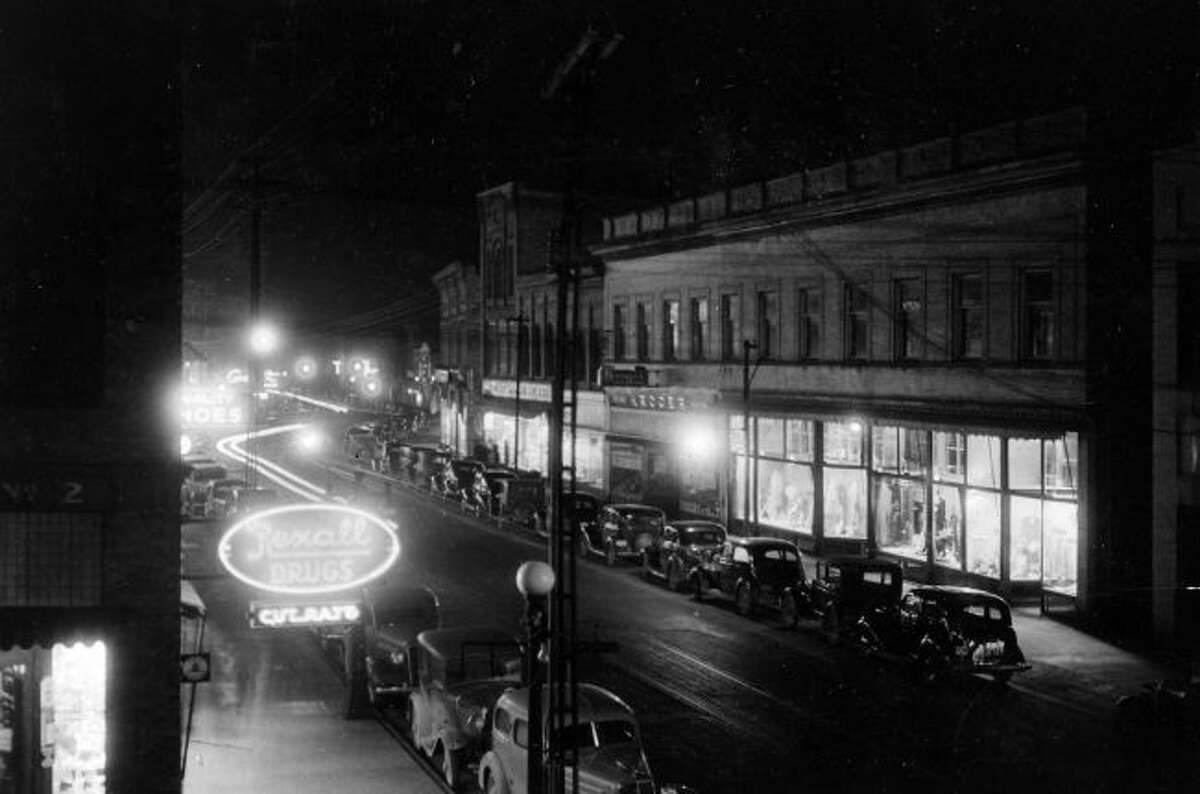 Downtown Manistee looked like a typical bustling main street in any community during the late 1930s.