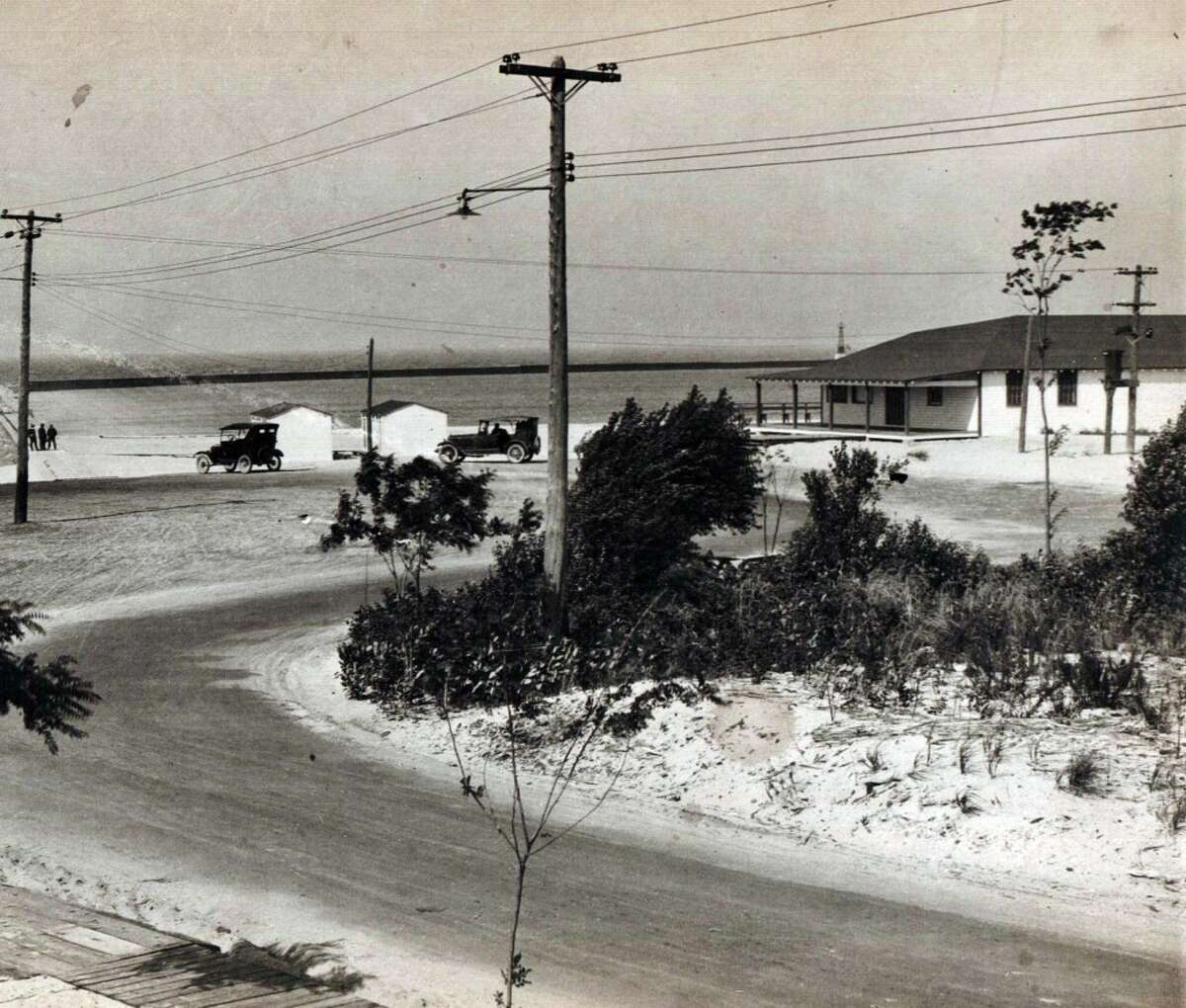 An early 1900s view of First Street Beach in Manistee. (Courtesy Photo/Manistee County Historical Museum)