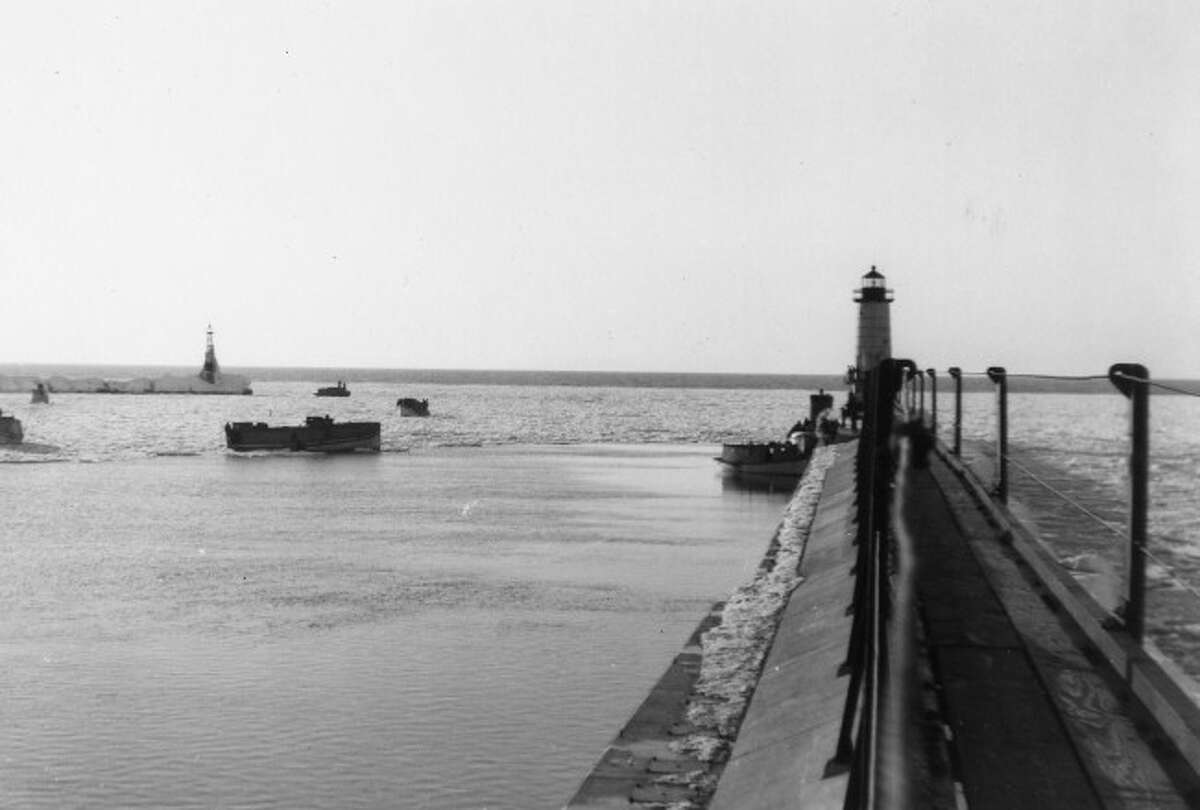 This picture shows what the pier at Fifth Avenue Beach looked like in the 1950s.