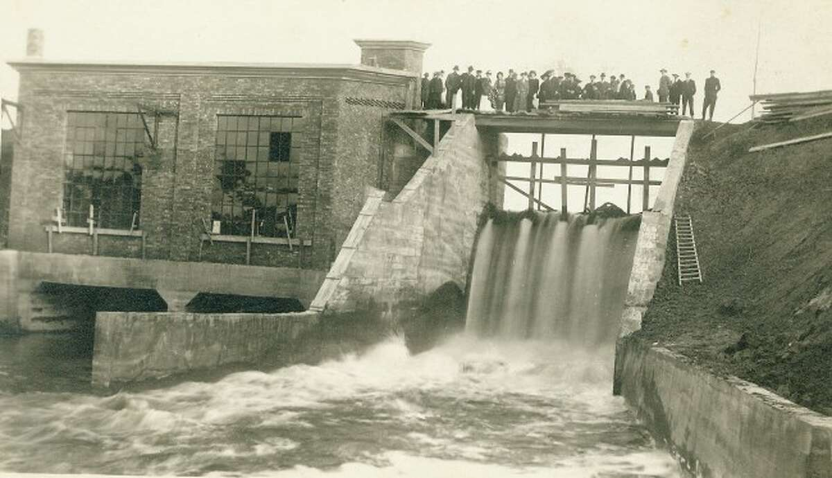 Tippy Dam as it looked while it was being constructed in the early 1900s.