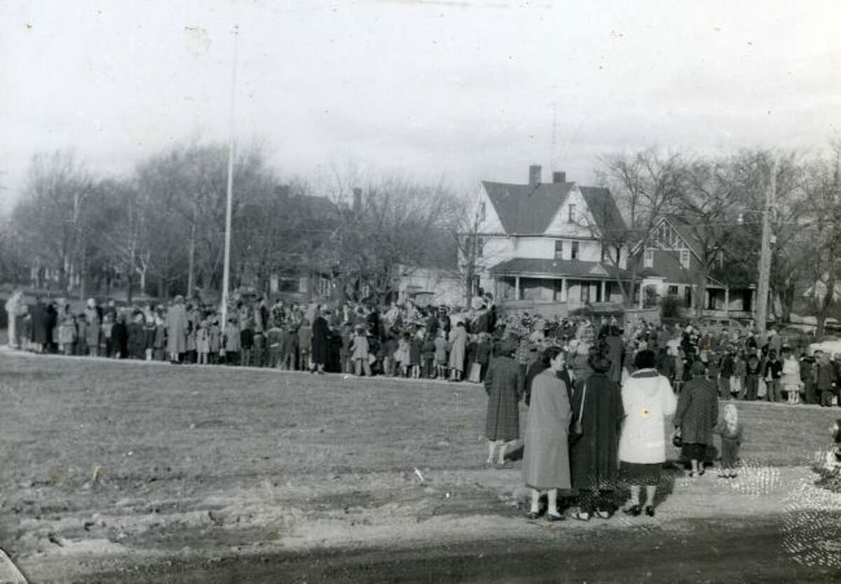 A line of people at the dedication of Jefferson Elementary School in 1955.