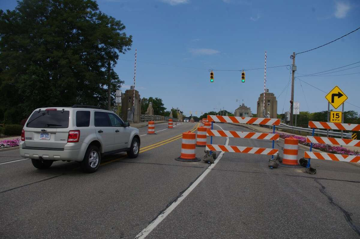 The traffic control for the project begins at the south end of Memorial Bridge on U.S. 31. (Dave Yarnell/News Advocate)