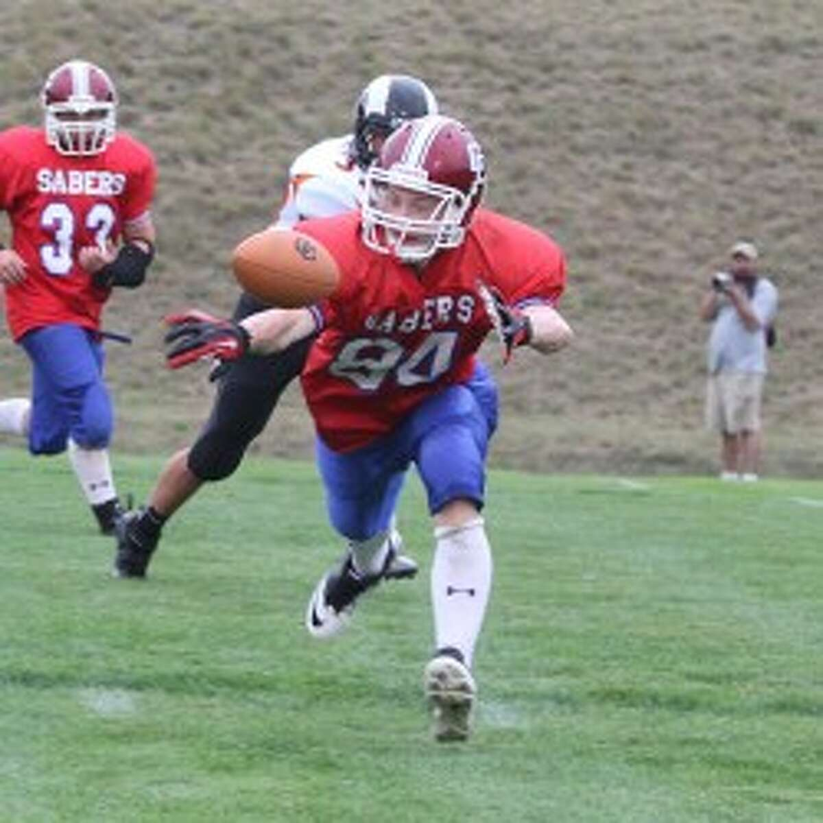 MCC's Justin Feliczak is unable to haul in a pass that's just out of reach. (Matt Wenzel/News Advocate)