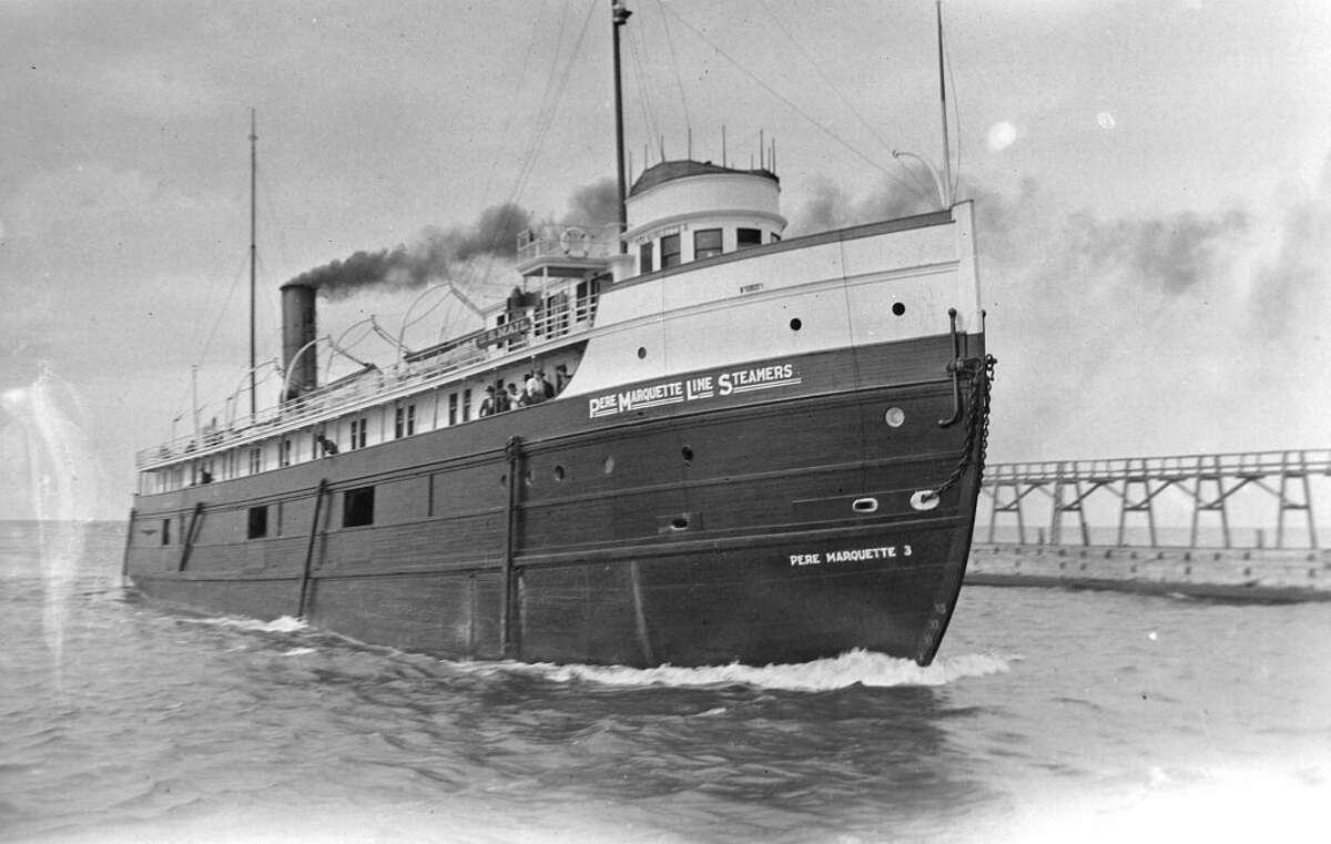 The steamship Pere Marquette No. 3 enters the Manistee harbor in this early 1900s photo. (Courtesy Photo/Manistee County Historical Museum)