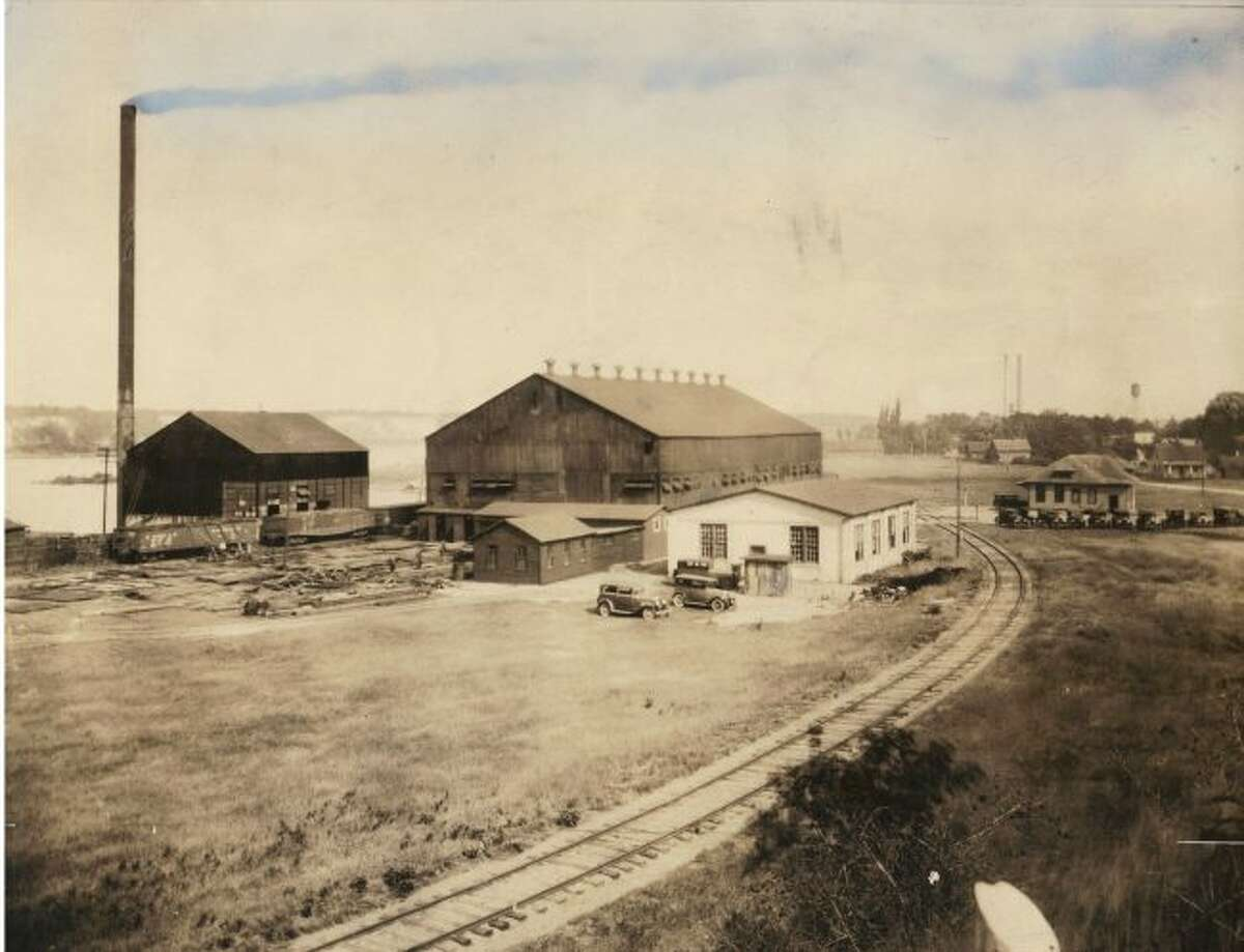 The Falleen Drop Forge was one of the many businesses located around Manistee Lake in the early 1930s.