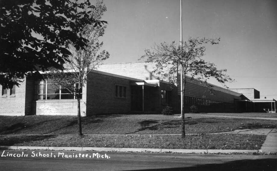 The new Lincoln School, extending from Ramsdell to Kosciusko on Ninth Street, began construction in March 1950 and was completed one year later. The building remained one of the city's elementary schools for 30 years.