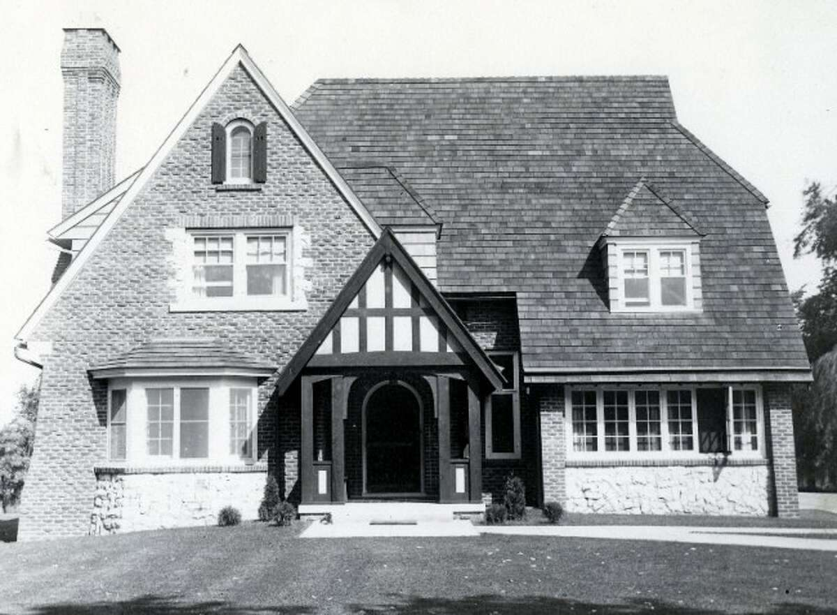 In 1923, Belle Nye had the former Canfield Mansion torn down and used the materials of the once palatial mansion to construct a new home located at 512 Fourth St.