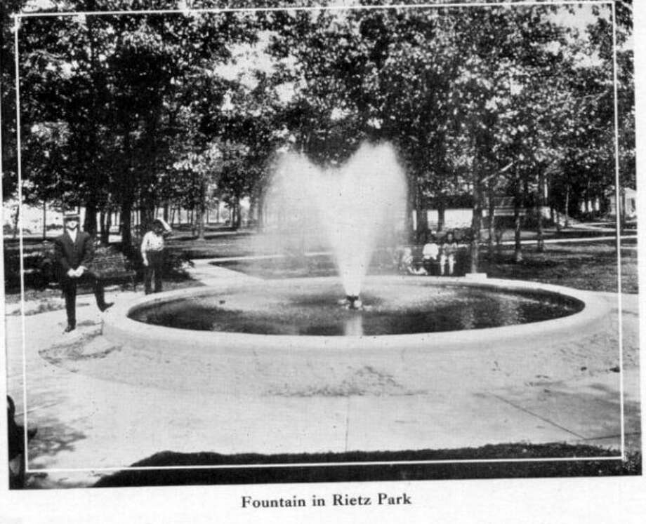 The fountain at Rietz Park was a popular place for people to spend a Sunday afternoon in the 1920s.