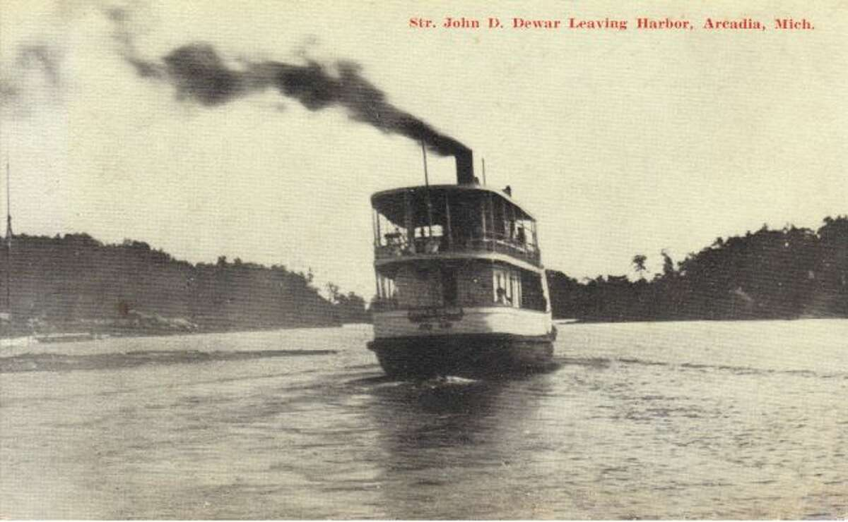 This photo from around 1900 shows the John Dewer leaving the Arcadia Harbor.