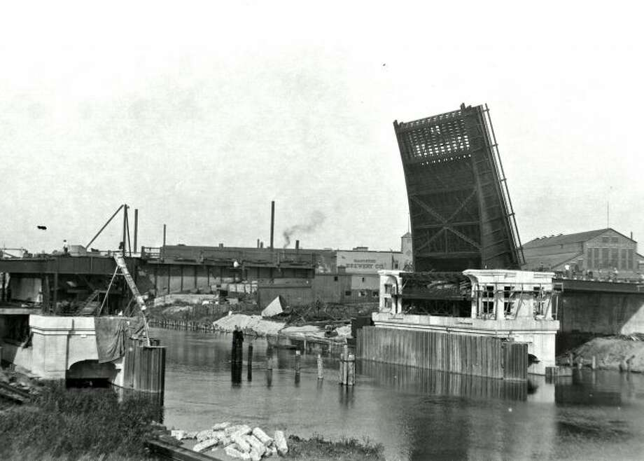 This early 1930s picture shows construction taking place on the US 31 bridge in Manistee.