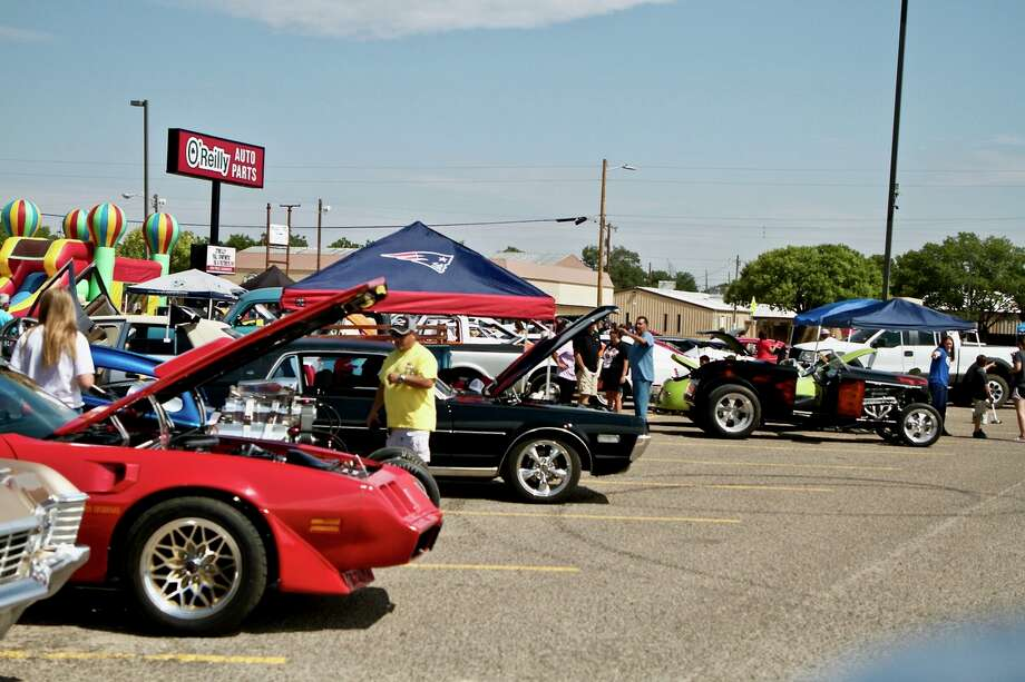 A couple of local car clubs and classic car owners gathered Saturday in the Gebo's parking lot for the second annual Cruizin For A Cure. The event was a fundraiser for the American Cancer Society. Photo: Don Brown/For The Herald