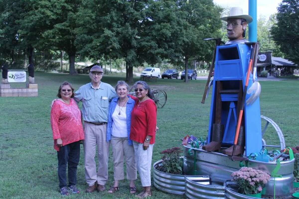 The Manistee Arts and Culture Alliance commissioned the talents of sculptor Dewey Blocksma to honor and recognize migrant agricultural workers, who have had an impactful presence in Manistee County, alone, for 80 years.
