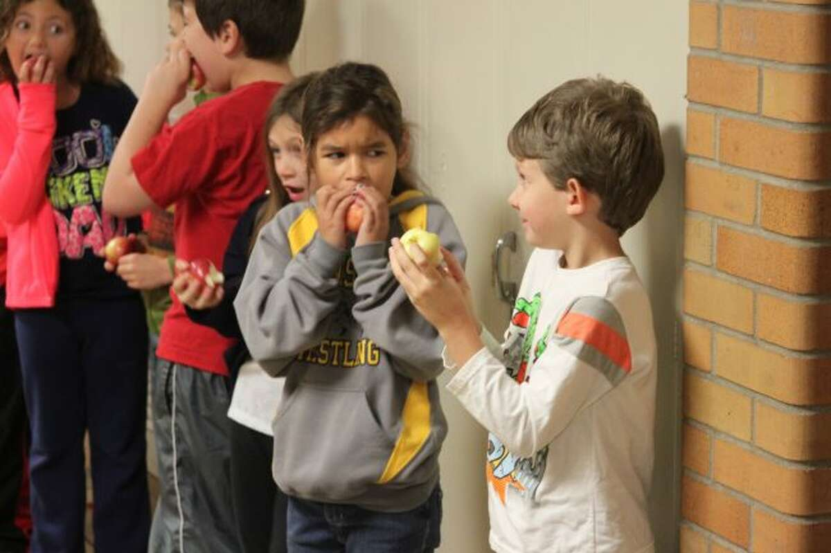 Jefferson Elementary School students took part in the Michigan Apple Crunch.