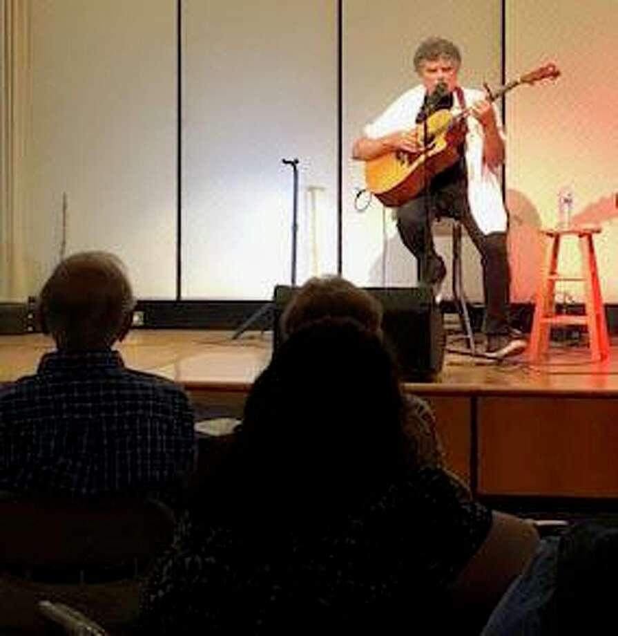 David Goldenberg delights the audience with his performance. Photo: Courtesy Of Jewish Community Center In Sherman / The News-Times Contributed