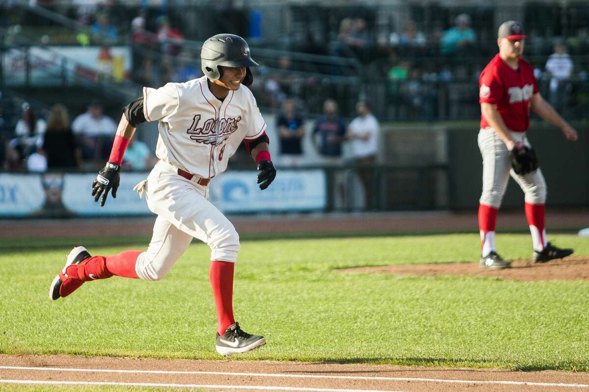 Great Lakes Loons short stop Leonel Valera sprints toward first base during a game against the Fort Wayne TinCaps on Tuesday, July 30, 2019 at Dow Diamond. (Katy Kildee/kkildee@mdn.net)