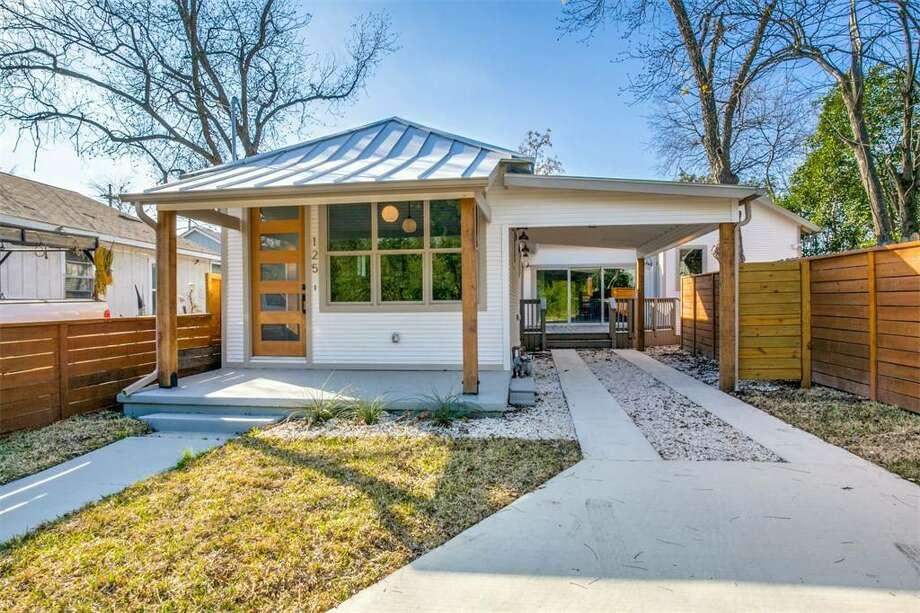 San Antonio  125 Oleander Street San Antonio, TX 78208: $399,000 2 bed| 2 bath | 1,650 sq. ft. Photo: Courtesy Of Kuper Sotheby's International Realty