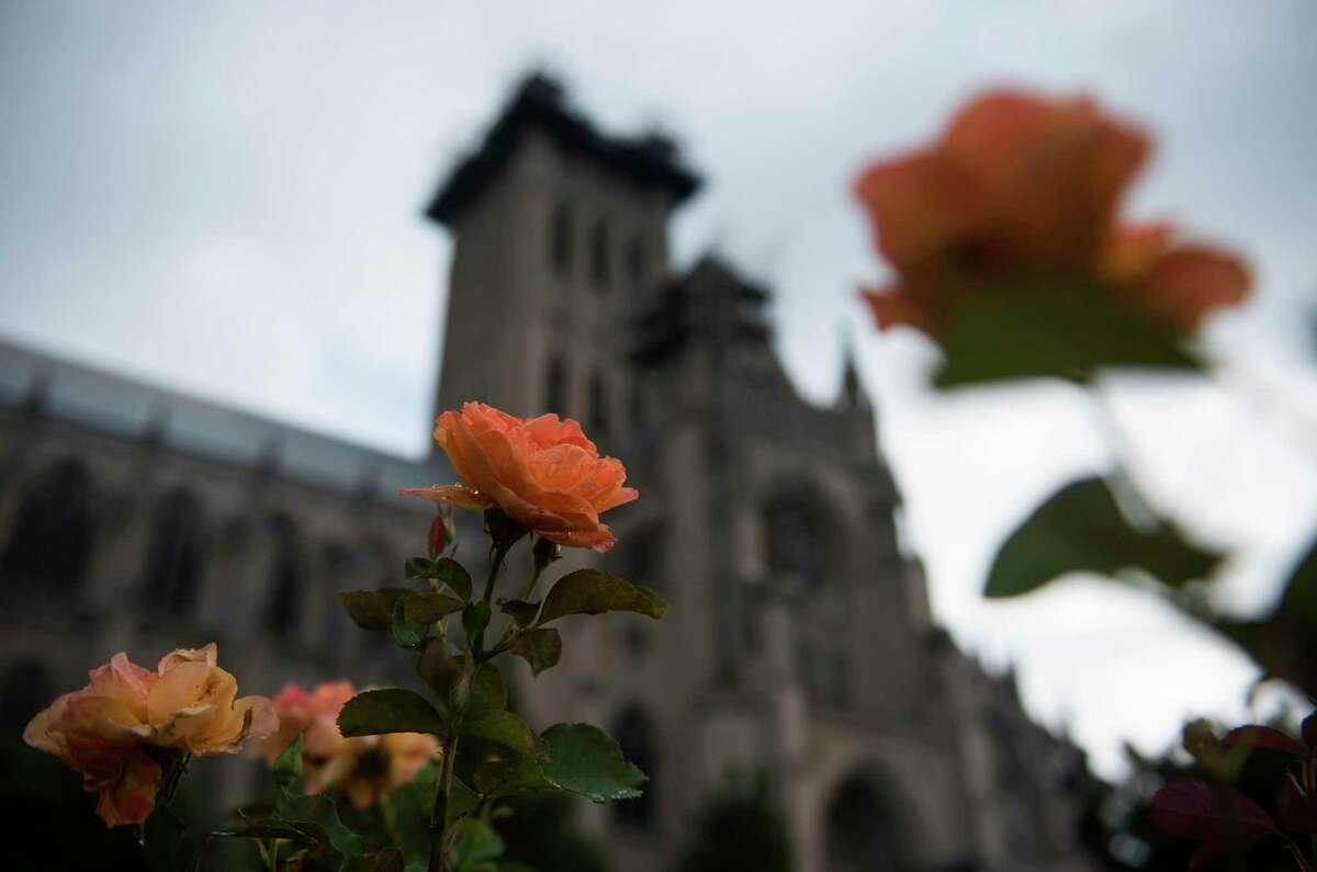 Washington National Cathedral. MUST CREDIT: Washington Post photo Bonnie Jo Mount